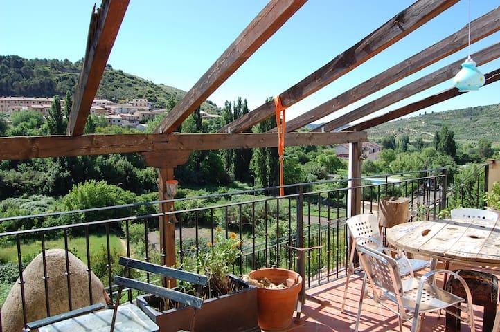 Casa con terraza de ensueño en  Pastrana