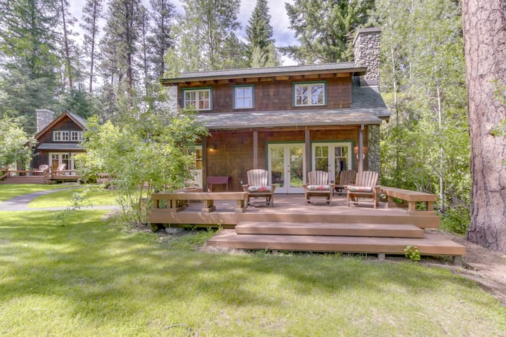Classic, waterfront cabin w/ spacious deck, grill, & cozy fireplace!