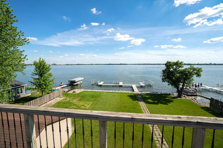 Lake Madison Penthouse Condo
