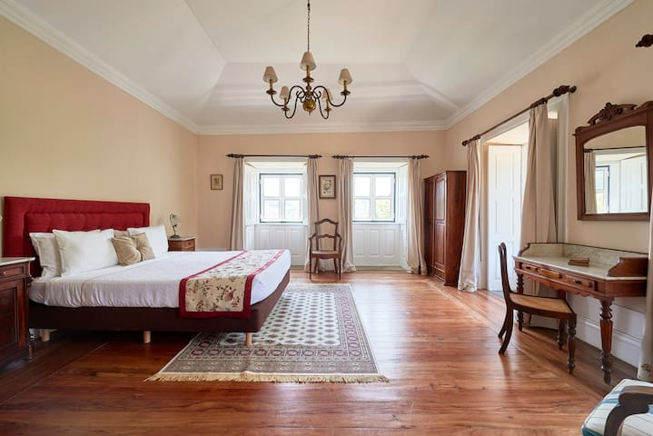 Charming Suite |  Outeiro Tuias - Manor House