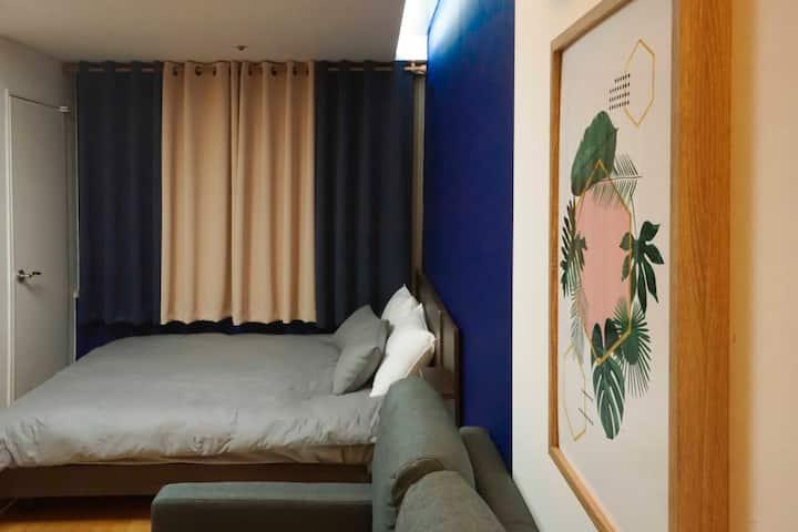 Cozy Pantone Blue house [Gangnam Station 5min]