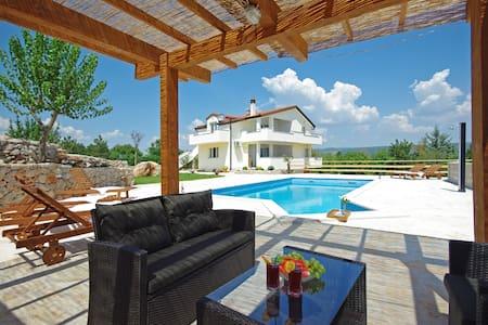 Villa Iva Grubine - Makarska - Grubine - Villa