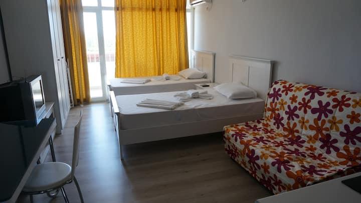 Bora Bora Studio Single beds