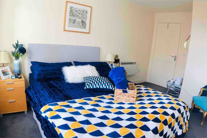 Amazing SuitRoom- City Centre Limerick