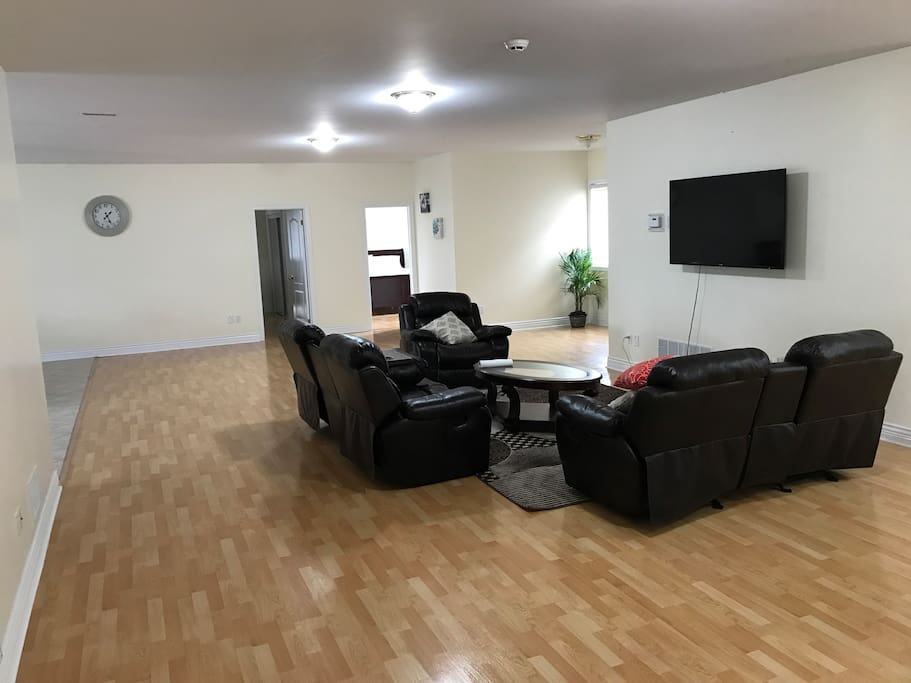 Brampton Rooms For Rent For  Days