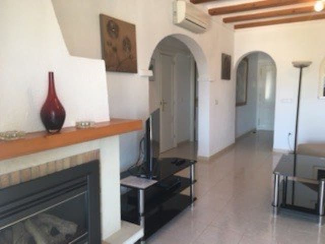 Bright and modern two bedroom villa - Moraira