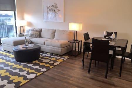 Luxury 2 Bedroom Apartment Near NYC - Hackensack