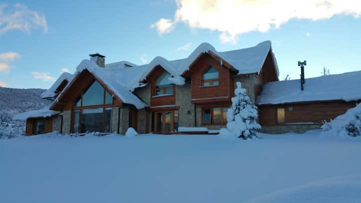 AAA Unique large house in Arelauquen - Bariloche