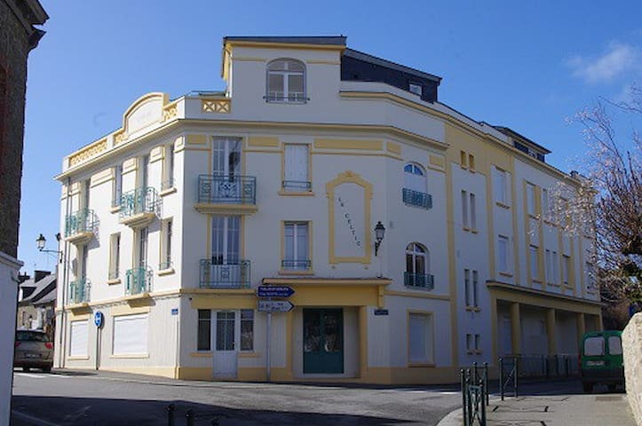 F2 beautiful old center near sea - Dinard - Daire