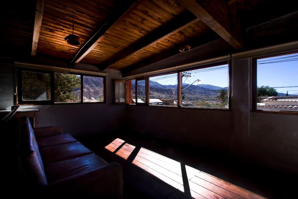 madera, adobe y los cerros