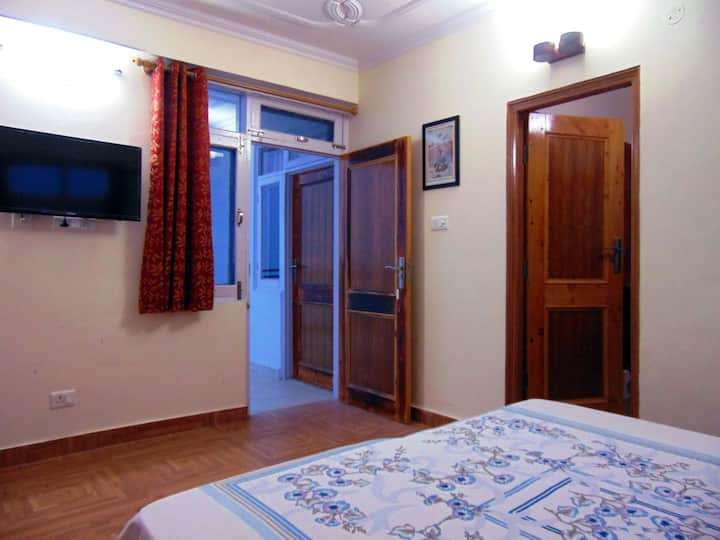 Aamantran Stays- Valley view rooms(Serene & calm)