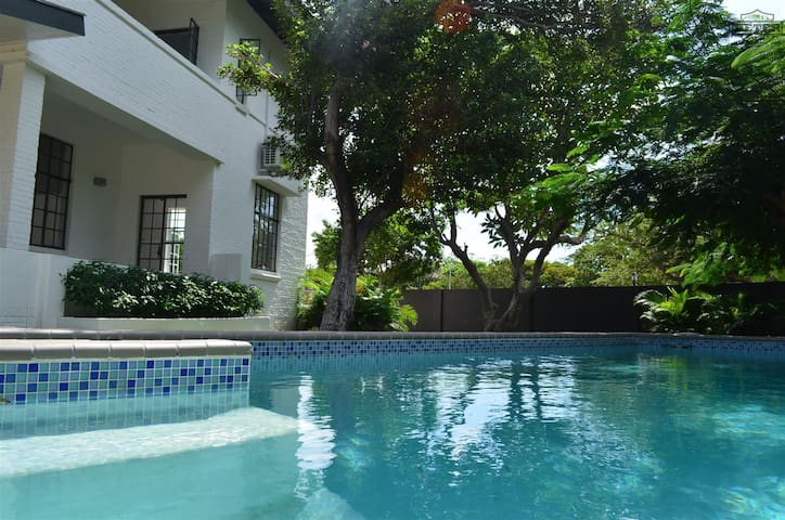 Beautiful 3 bedroom home - Willemstad - House