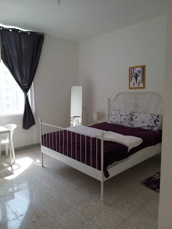 Spacious Private Room with share bathroom 1 person