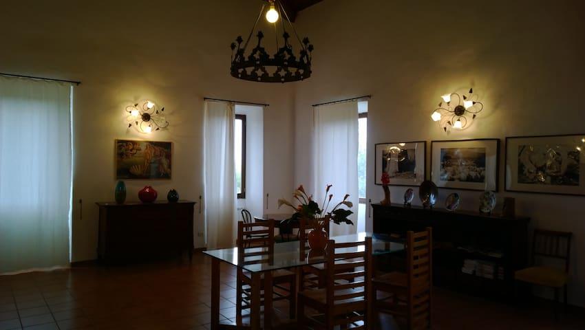 Villa antica con vista su Roma - San Gregorio da Sassola - Bed & Breakfast