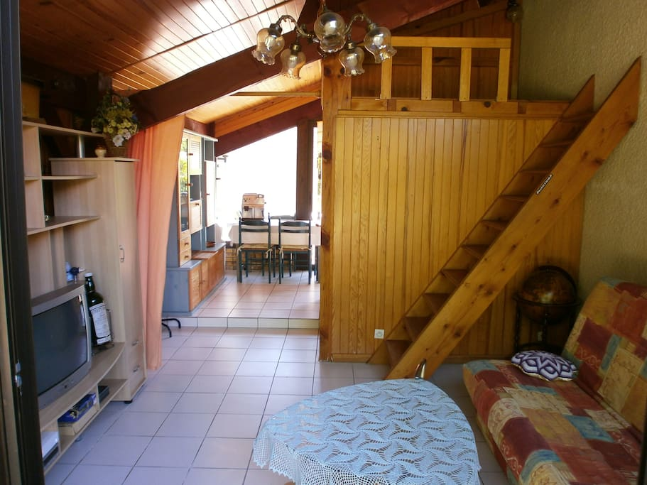 Le Salon & Mezzanine. Sofa convertible 2 Pers + bed/lit  190x90