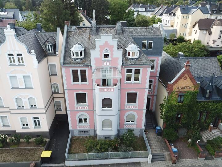 Unique Artist Apartment, 120 sqm, central LM