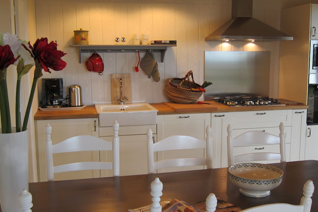 Spacious and fully equipped kitchen