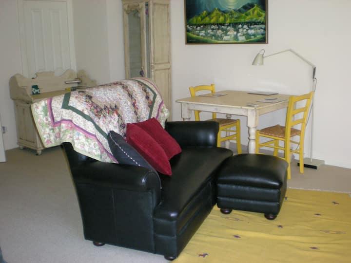 Garden street studio apartment