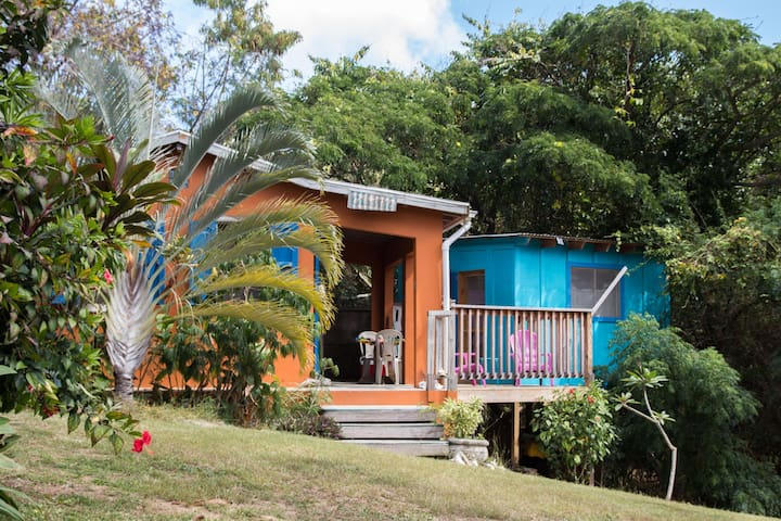 """""""treehouse"""" cabin  & pool - vieques - Vieques - Cabaña"""