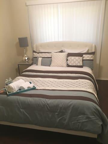 Cozy Queen bedroom #3