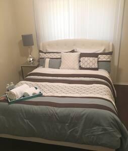 Cozy Queen bedroom #3 - 英格爾伍德(Inglewood)