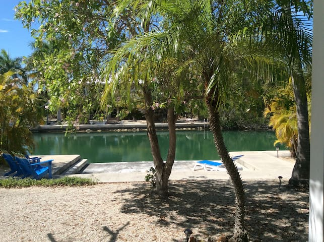 Private waterfront guest house - Summerland  Key - House