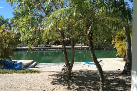 Private waterfront guest house - Summerland  Key - Haus