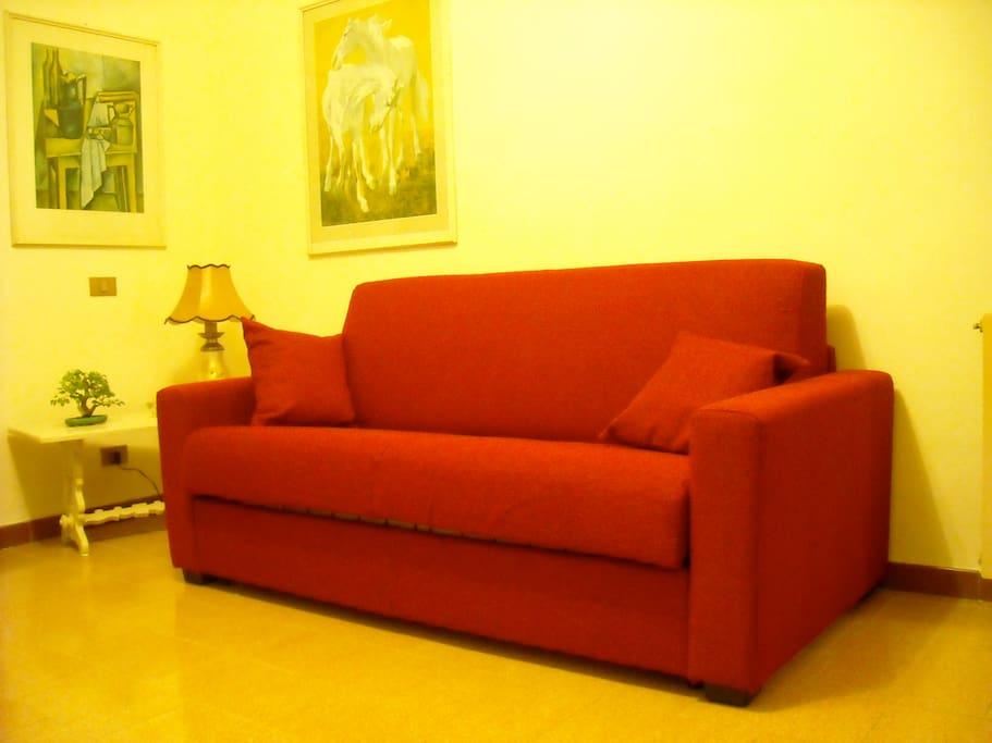 Soggiorno, comodo divano letto a due posti