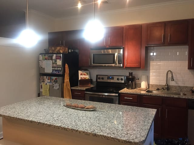 Modern Apartment in Midtown - Raleigh - Appartement