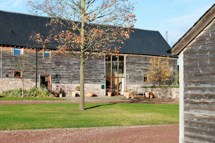 The Hay Barn 1 - spacious, characterful and homely - Bredwardine - Huis