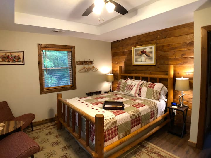 The Willow - Walnut Waters Bed and Breakfast