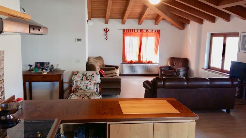 stupendo ed arioso appartamento !!! - Lovero