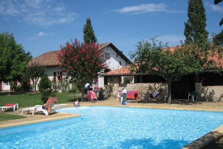 Big charming house 18 people + pool - Pouillon - Casa