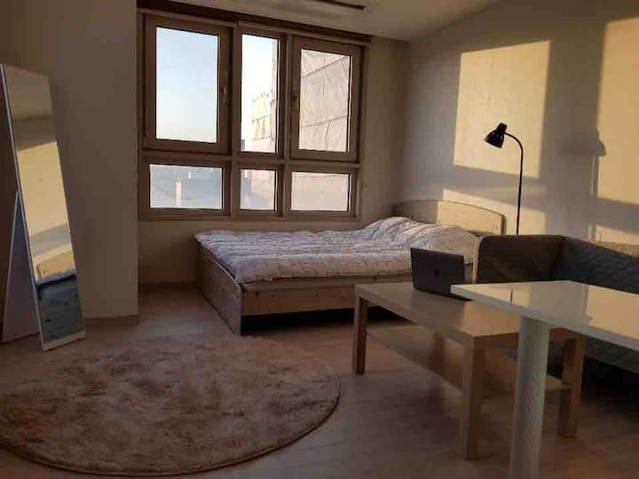 Designer's home/WholeHouse/1min_Humphrey MainGateF