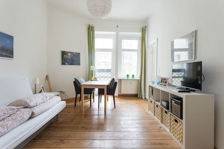 Cool Friedrichshain + Garden View - Berlin - Appartement