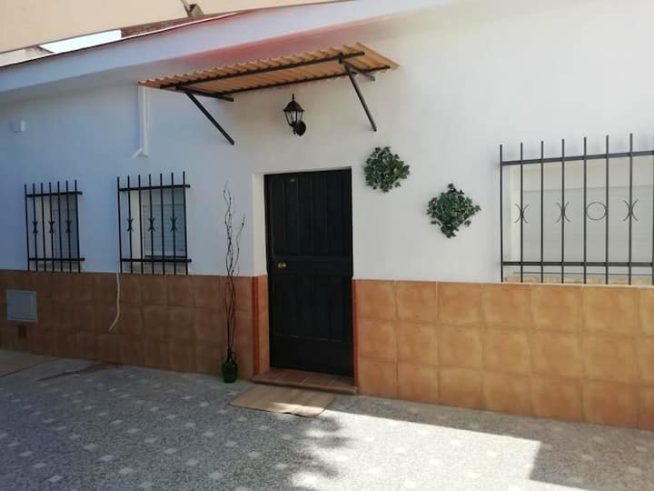House with one bedroom in Sevilla, with furnished garden and WiFi