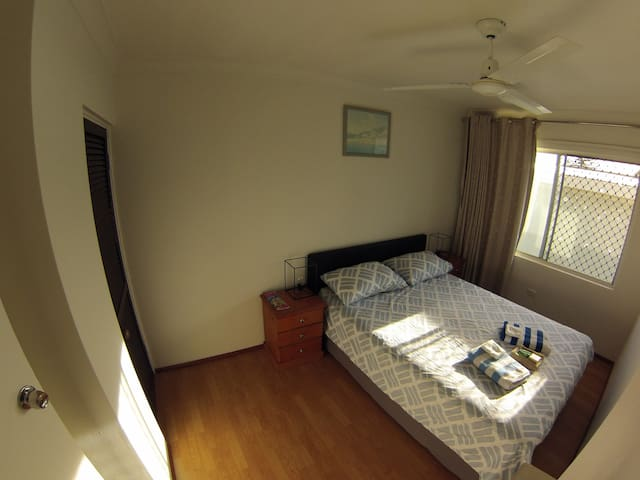 Cosy room in Surfers Paradise - Surfers Paradise - Huis