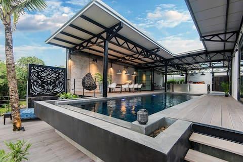Joana Pool Loft by Wohnfabrik