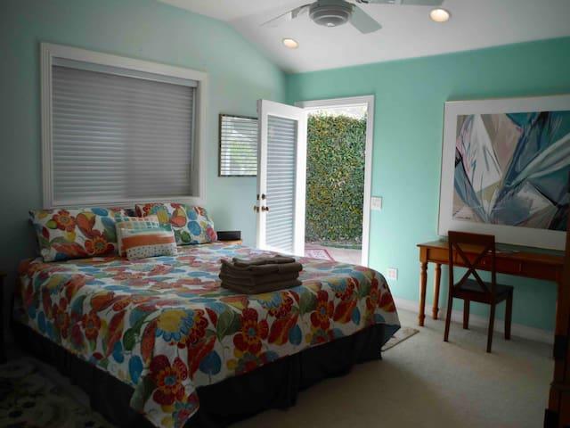 Guest Bedroom  En-Suite #2 - Cal King Tempurpedic
