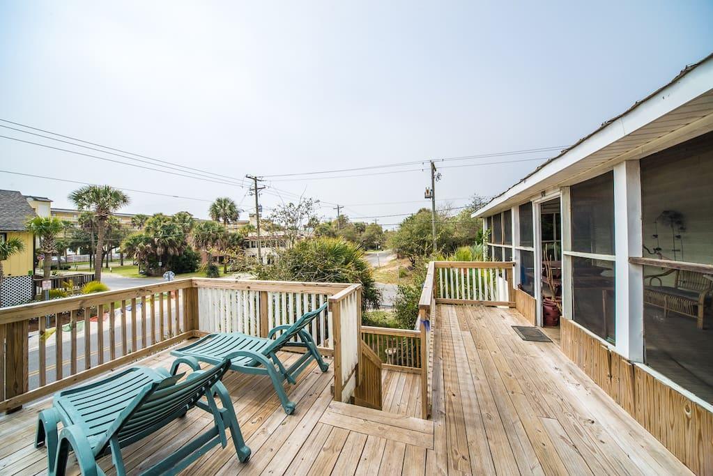 Big deck for sunbathing