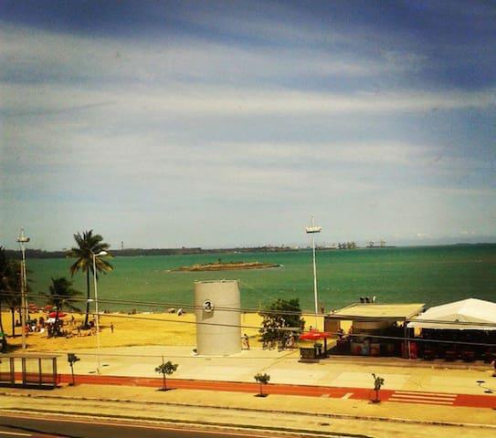 Quarto pequeno_perto do aeroporto/de frente p mar