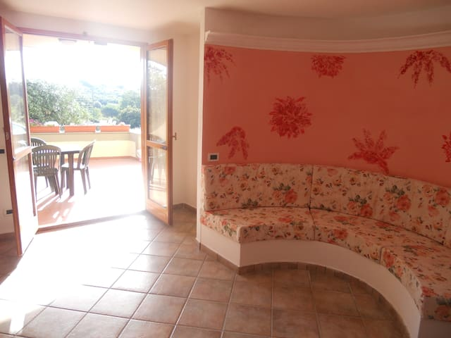 Near lake sea and Rome up to 7 and long term rent - Bracciano - House