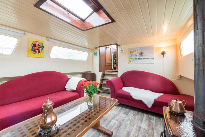 Kleines Hausboot, little houseboat - Alkmaar - Hajó