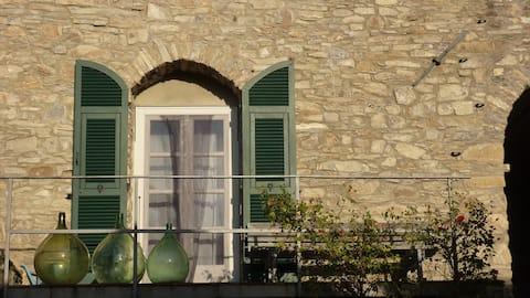 Starý kamenný dům