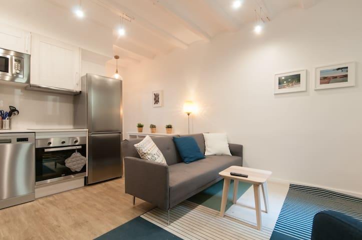 Brand new luxury apartment + terrace #4