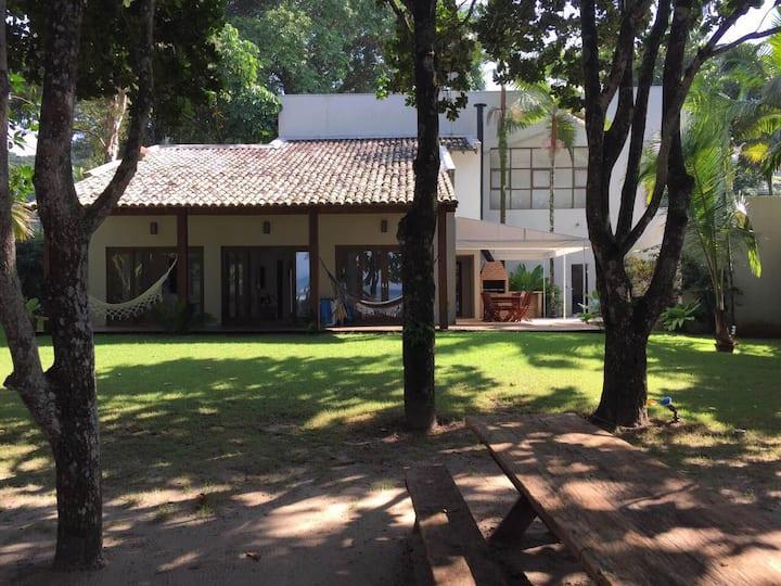 Casa de frente para o mar em Camburi
