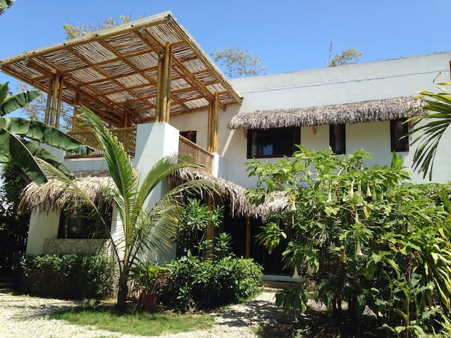 Luxury Villa w/Private Pool in the heart of Ayampe