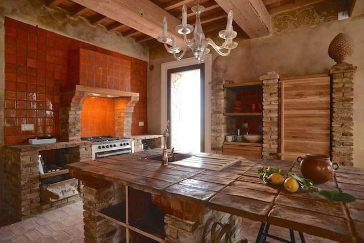 TUSCANY FOREVER VILLA II ALLEGRIA APARTMENT /0 - Saline di Volterra - อพาร์ทเมนท์