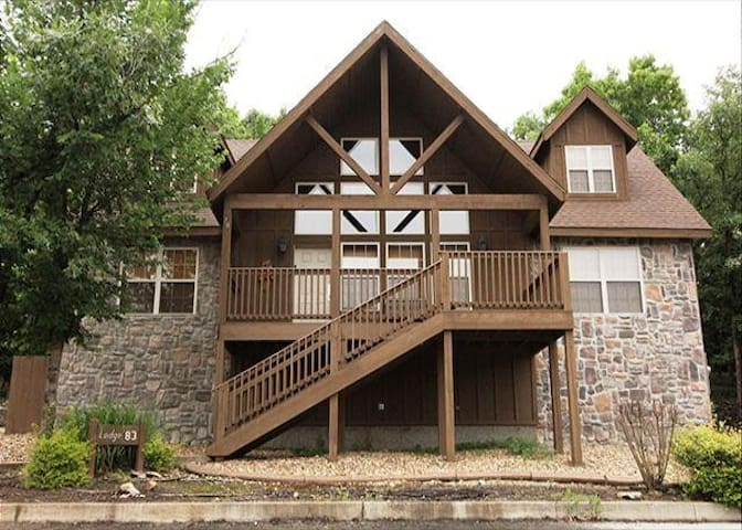 Quiet 4BD Chalet with loads of fun - Reeds Spring - Maison