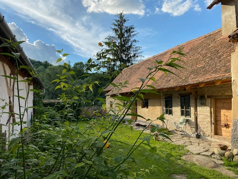 Saschiz 165-restored barn, from the 18th century
